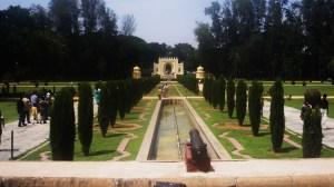 Taman depan Istana Tippu Sultan