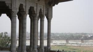 Dari anjung inilah Shah Jahan melihat Taj Mahal apabila dia dipenjarakan